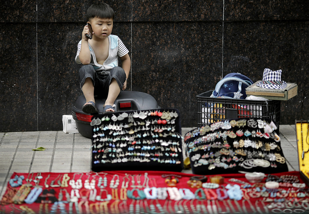 Luglio 2012 Shanghai - Photo by Eugene Hoshiko/Associated Press